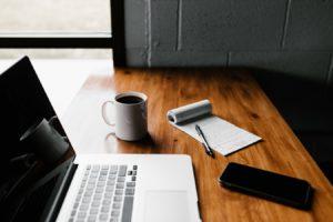 Comment gérer les périodes de chômage sur un CV?