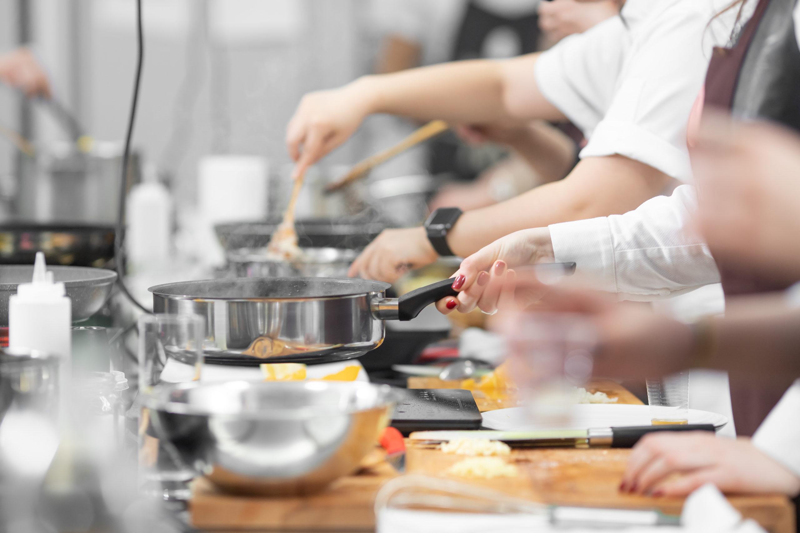 Nos métiers cuisine - extra en cuisine Adaptel