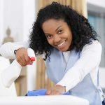 Adaptel-Chercher-un-job-photo-fd-gris-housekeeping